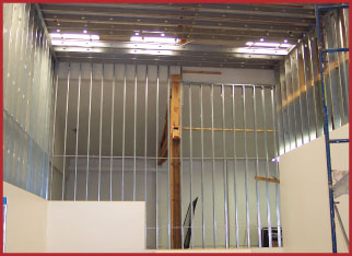 Steel galvanized wall systems for Racquetball Courts and Squash Courts installation and products